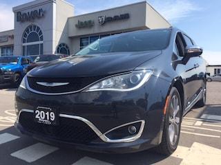 2019 Chrysler Pacifica Limited Minivan