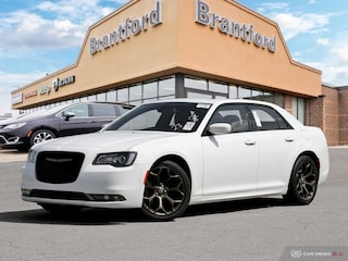 2018 Chrysler 300 4dsn - $196 B/W - Low Mileage Sedan