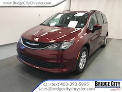 2019 Chrysler Pacifica Touring- Power Doors- Safety Tec- Trailer Tow! Van