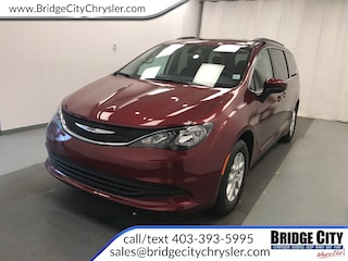 2019 Chrysler Pacifica Touring- DVD- Safety Tec- Remote Start! Van