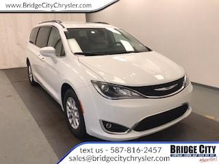 2020 Chrysler Pacifica Touring-L- NAV- Safety Tec- Dual Power Doors! Van