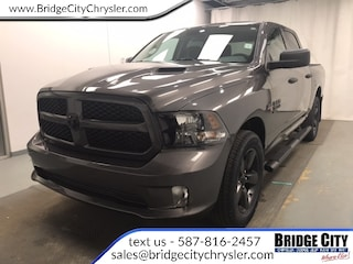 2019 Ram 1500 Classic Express- 3.92 Ratio- Uconnect- Heated Seats! Truck Crew Cab