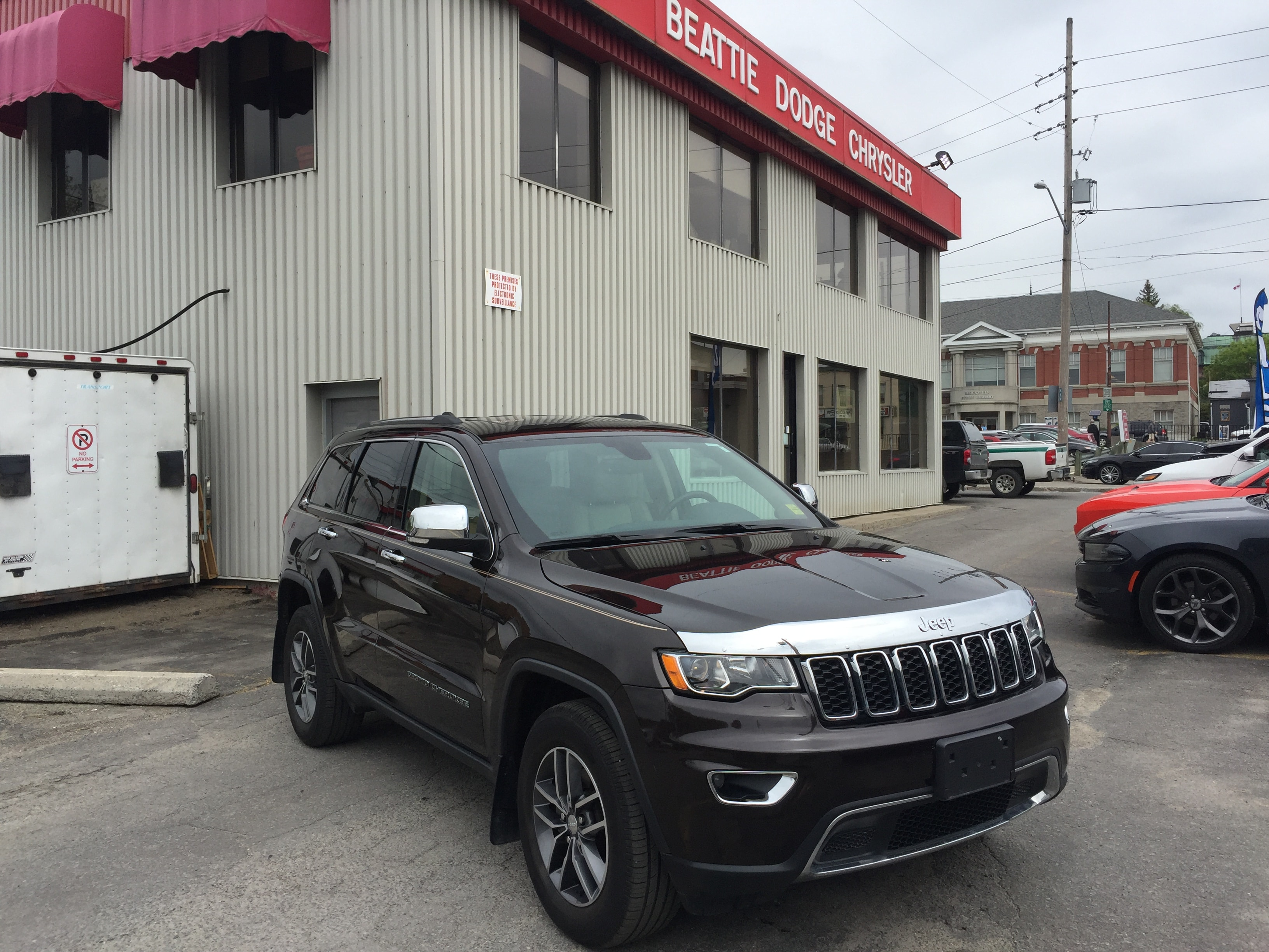 2017 Jeep Grand Cherokee Limited LEATHER/ SUNROOF/ BACKUP CAMERA SUV