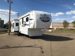 2009 HEARTLAND 341ORE  WHITE  5 TH WHEEL