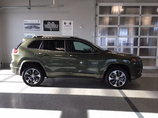 2020 Jeep Cherokee Overland 4x4, Prem Leather Trimmed Bucket Seats SUV