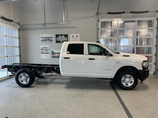 2019 Ram 3500 Chassis Tradesman 4x4 Crew Cab 172.4 in. WB