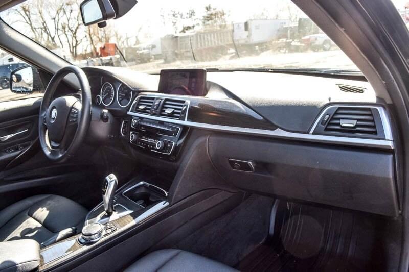 Used 2016 BMW 3 Series 320i xDrive|Backup Cam|Bluetooth