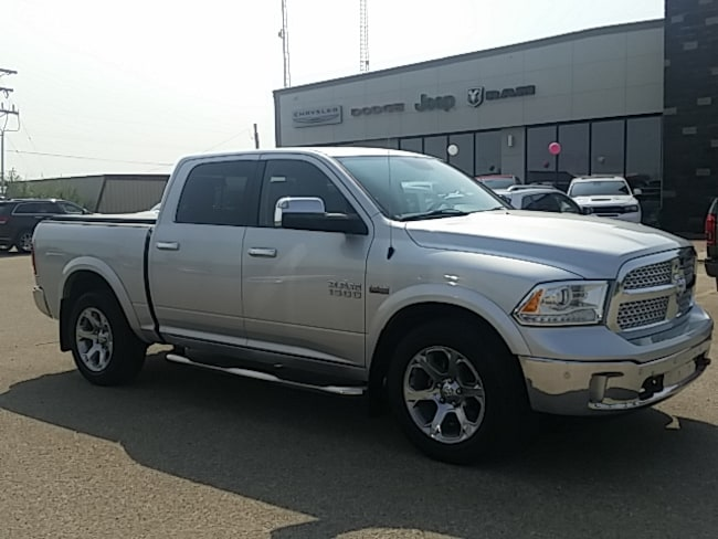 2014 Ram 1500 Laramie - Leather Seats -  Cooled Seats Crew Cab