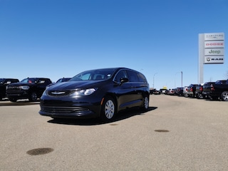 Used 2018 Chrysler Pacifica L Minivan/Van for sale in Camrose, AB.