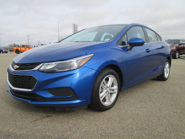 Featured Used 2018 Chevrolet Cruze LT Auto Sedan for sale in Camrose, AB.