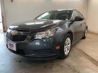 2013 Chevrolet Cruze LS! AIR Conditioning! Traction Control! Sedan