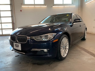 2014 BMW 3 Series xDRIVE AWD! LEATHER! SUNROOF! NAVI! BACKUP CAM! Sedan