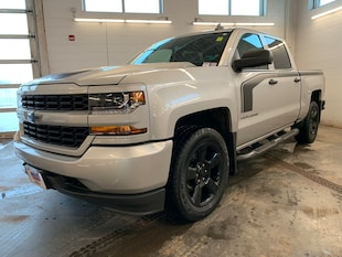 2018 Chevrolet Silverado 1500 Custom! 4X4! Crew CAB! Back-UP CAM! 5.3L! Truck