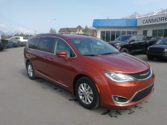 DYNAMIC_PREF_LABEL_AUTO_USED_DETAILS_INVENTORY_DETAIL1_ALTATTRIBUTEBEFORE 2018 Chrysler Pacifica Touring-L Plus DYNAMIC_PREF_LABEL_AUTO_USED_DETAILS_INVENTORY_DETAIL1_ALTATTRIBUTEAFTER