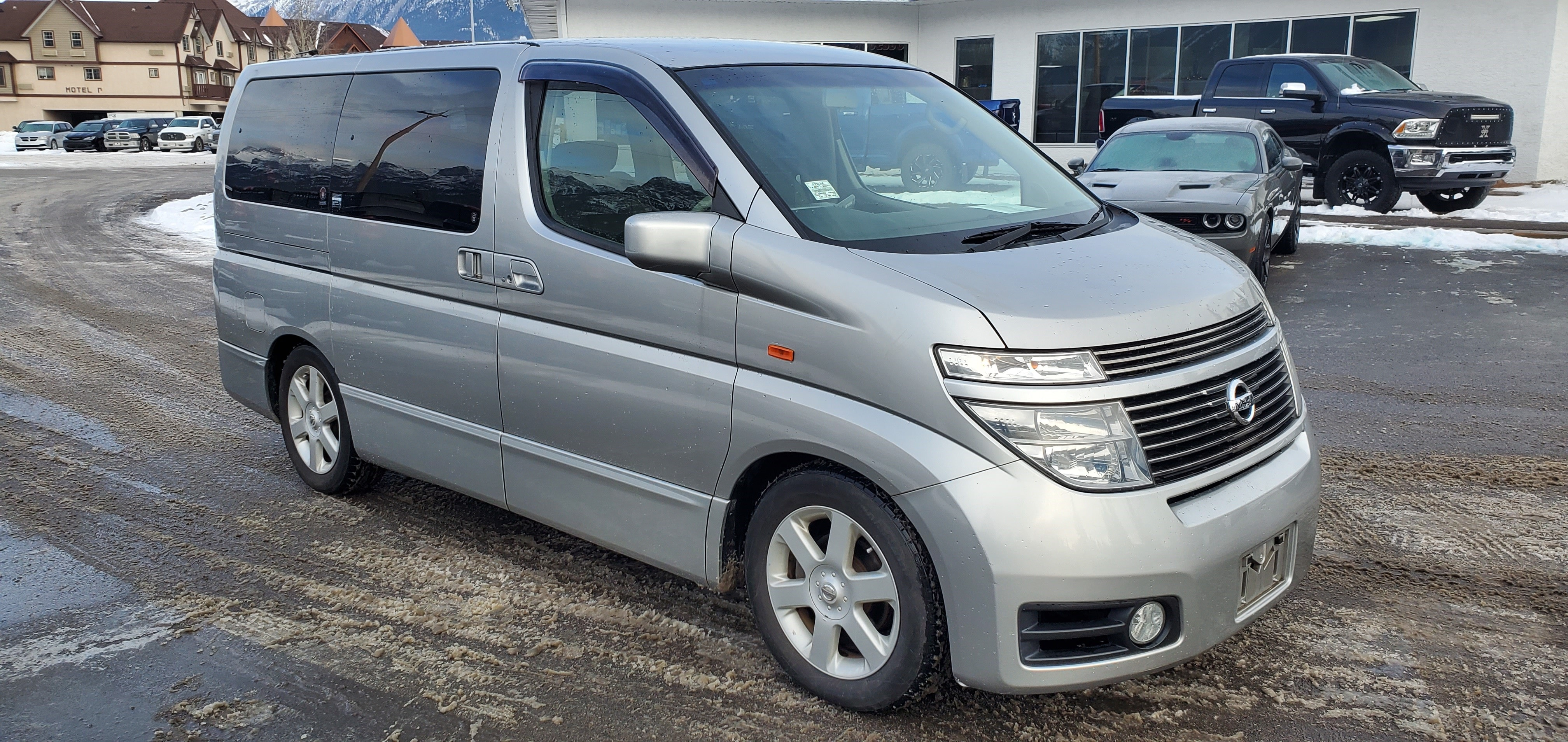 2003 Nissan Elgrand 4wd 8 Passenger Leather Split Sliding Seats