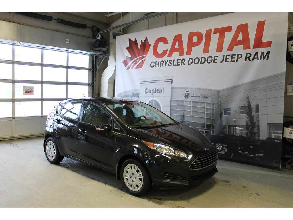 2014 Ford Fiesta SE  Cloth   Voice Recognition   CD Player Hatchback