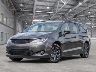 2020 Chrysler Pacifica Hybrid Touring Van