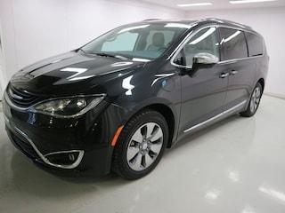 2017 Chrysler Pacifica Hybrid Platinum Familiale