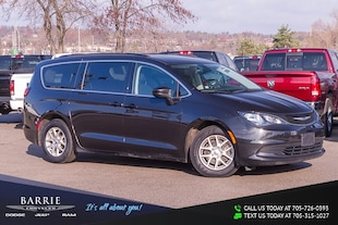 2017 Chrysler Pacifica Touring Mini-van, Passenger