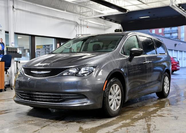 2018 Chrysler Pacifica LX Minivan/Van