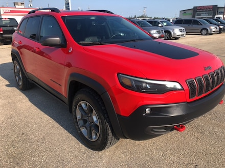 Featured Used 2019 Jeep Cherokee Trailhawk 4x4 SUV for sale near you in Gimli, MB near Winnipeg