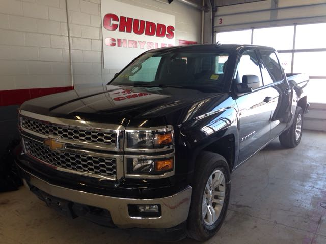 Featured Used 2014 CHEV SILV15 1LT 4X4 Truck Crew Cab for sale near you in Gimli, MB