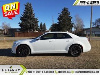 2019 Chrysler 300 Touring - Leather Seats -  Apple Carplay Sedan