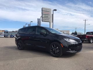 New 2019 Chrysler Pacifica Touring-L Van Passenger Van 2C4RC1BG0KR708594 19-275 for sale in Cold Lake AB