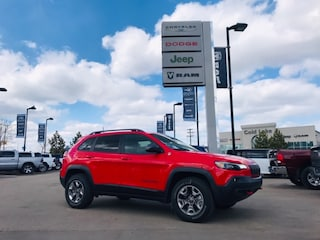 New 2019 Jeep New Cherokee Trailhawk 4x4 SUV 1C4PJMBX7KD150129 19-036 for sale in Cold Lake AB