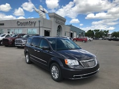 2016 Chrysler Town & Country Premium Van