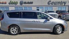 2018 Chrysler Pacifica Touring-L Plus--U-Connect Theater Minivan