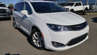 2018 Chrysler Pacifica Touring-L Plus-2nd & 3rd Row Stow-n-Go Seating Minivan