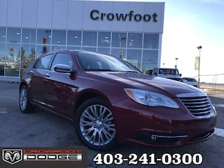 Clearance 2013 Chrysler 200 LIMITED WITH V6, LEATHER & SUNROOF Sedan for sale in Calgary, AB