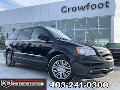 Used 2014 Chrysler Town & Country TOURING-L WITH LEATHER Van 2C4RC1CG0ER310370 for sale in Calgary, Alberta