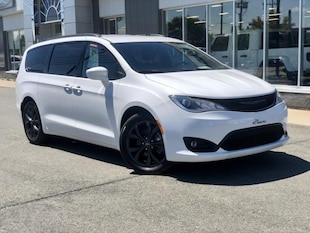 2019 Chrysler Pacifica Touring-L   ENS. S  Cuir  Camera