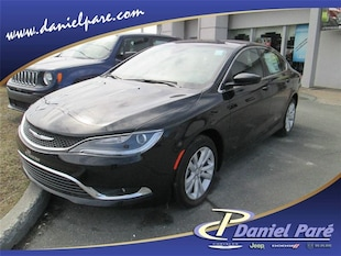 2016 Chrysler 200 Limited Liquidation Berline