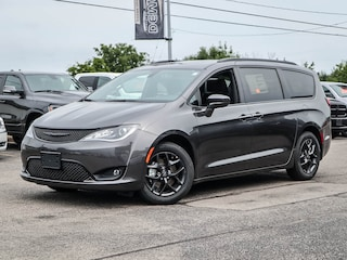 2020 Chrysler Pacifica TOURING | S APPEARANCE PKG | COLD WEATHER GRP Van