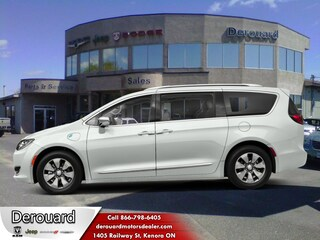2017 Chrysler Pacifica Hybrid Platinum - Sunroof Van