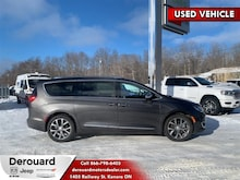 2017 Chrysler Pacifica Limited - Leather Seats Van