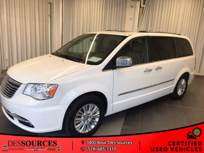 2012 Chrysler Town & Country LMT Limited model*Fully equipped* Van