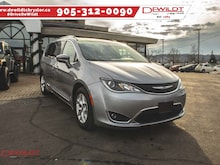 2018 Chrysler Pacifica Dual Headrest DVD, Panoramic Sunroof Van Passenger Van