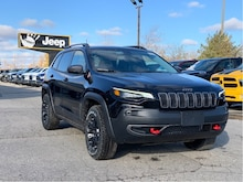2020 Jeep Cherokee Trailhawk Elite 4x4 – SafetyTec, Panoramic Sunroof, Uconnect 8.4 w/NAV