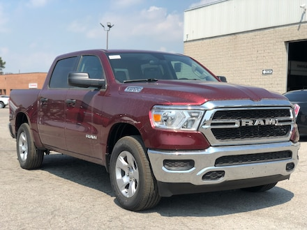 2019 Ram All-New 1500 Tradesman SXT w/ Bed Step, Hitch Receiver Truck Crew Cab