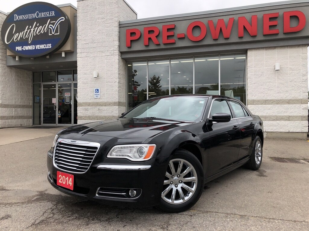 2014 Chrysler 300 Touring w/Leather, Backup Camera Sedan