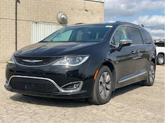 2020 Chrysler Pacifica Hybrid Limited - Advanced Safety, Uconnect Theatre Group, 20 Spea