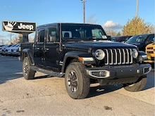 2020 Jeep Gladiator Overland – Leather Buckets, Uconnect 4C NAV, SafetyTec Grou