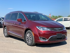 2020 Chrysler Pacifica Hybrid Touring-L 35th Anniversary Edition Van