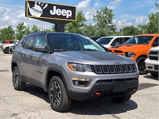 2019 Jeep Compass Trailhawk 4x4 – Leather Interior, Dual Pane Sunroof, Uconnect 4C