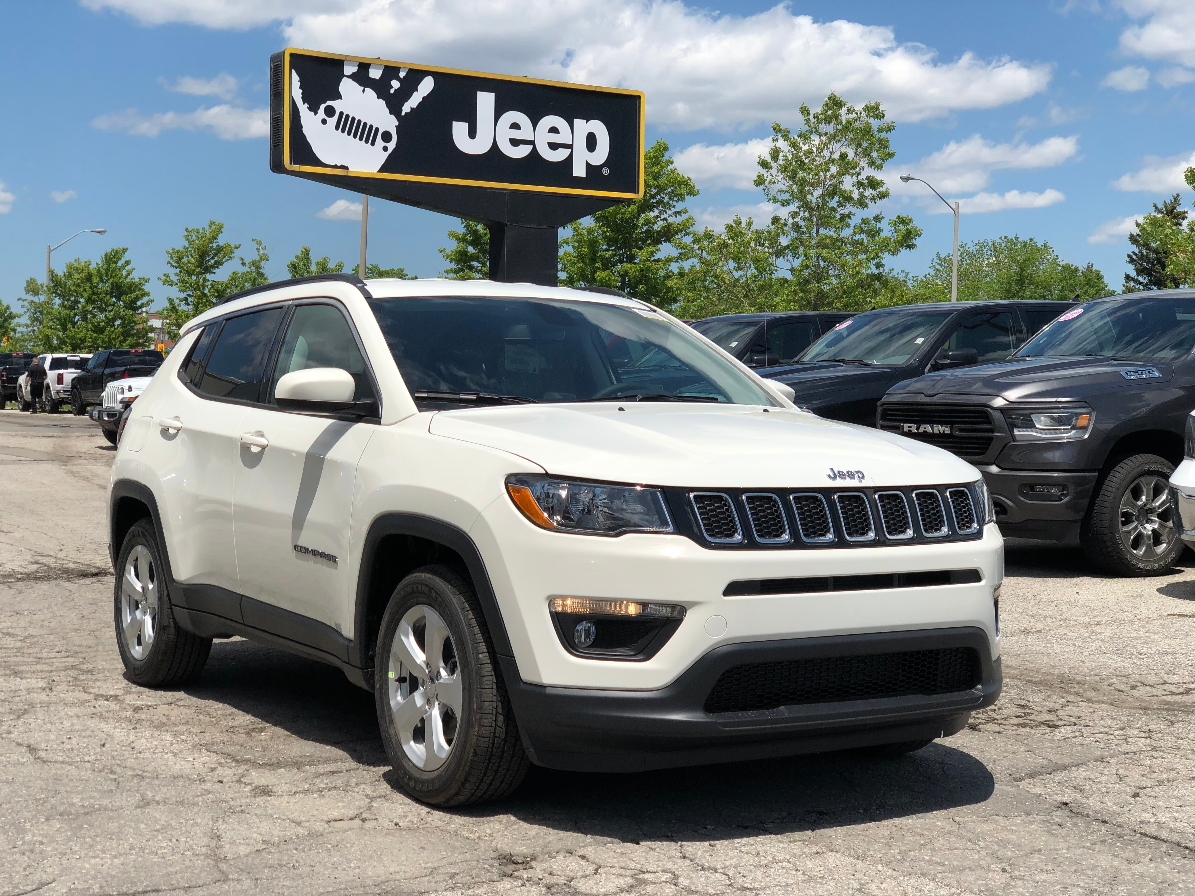 2019 Jeep Compass North FWD – Cold Weather Group