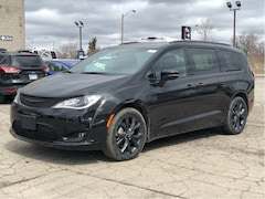 2019 Chrysler Pacifica Limited – S Package, Advanced Safety Group, Uconnect Theat